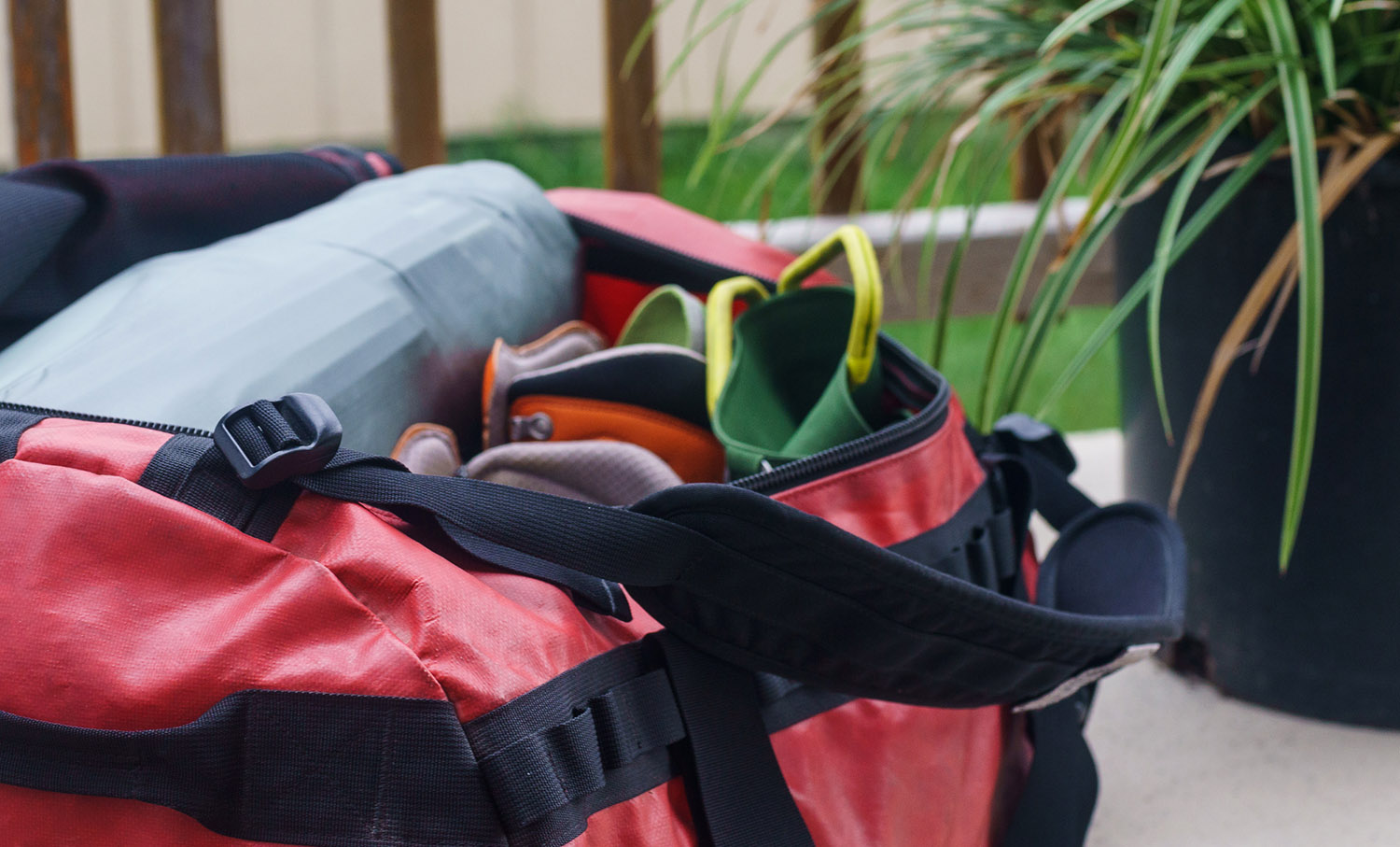 2375d230ef8a8 The Medium size duffel easily holds enough gear for a 3-day alpine climbing  trip for two people. While The North Face ...